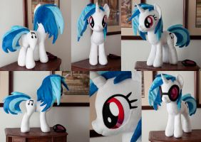 Vinyl Scratch 18'' for alienscorch by adamlhumphreys