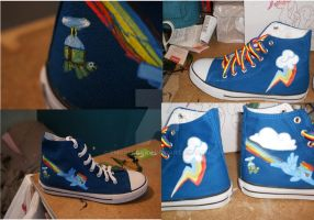 Rainbow Dash Converse by Emgrengrau