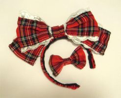 Tartan Lolita hair bow by karanuku