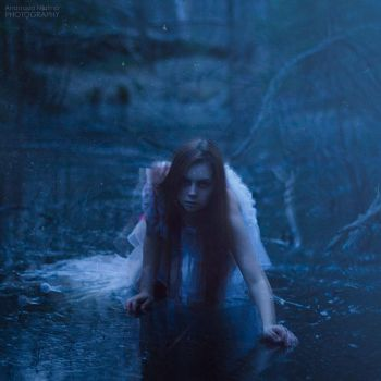 Drowned Maiden II by Isa-Wyrd