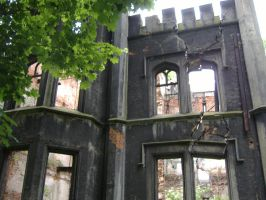Ruins by Savrille