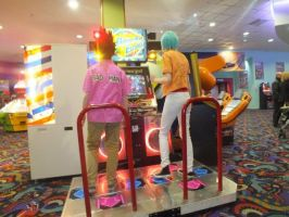 DragonBall Z: Vegeta vs. Bulma DDR by LSPcosplay