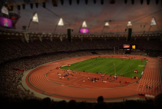 Olympic Stadium at night by WhiteSlate