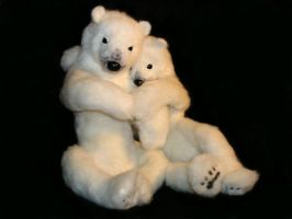 Needle felted polar bears by ivetae123