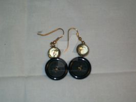 Button earrings by Smycken-Prinsessa