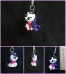 Rarity Charm by minnichi