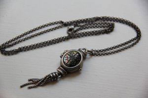 Clock necklace. by LunaticNate