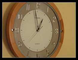 what time is it? by lucaport
