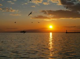 Sunset in Thessaloniki II by Mprintochainis