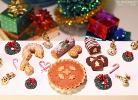 Baked Christmas Treats 2 2014 by TheMicroBakery