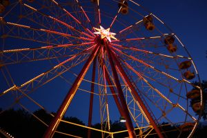Ferris Wheel by Linkineos