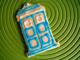 Also TARDIS cookie by Chantelli