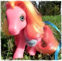 My little pony Pinha Colada II by Snuzzle
