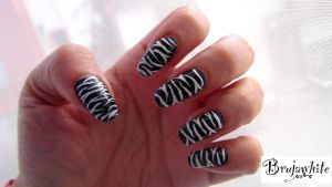 Alphabet nail art challenge: Z is for Zebra by Brujawhite