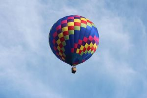 Hot air balloon by Laur720
