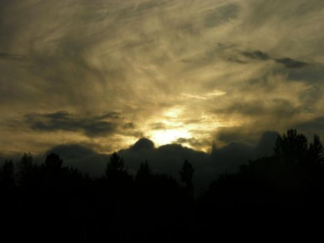 cloudy sunset 2 by ShadowLarl713
