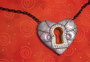 SteampunkKeyholeHeart Necklace by CraftMagic