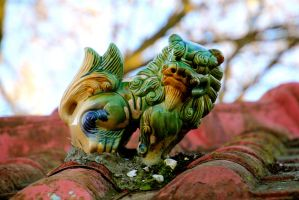 garage rooftop foo dog by minamiko