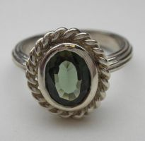 Antique style ring green by nellyvansee