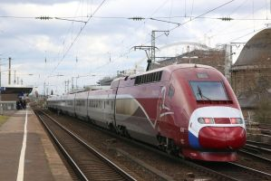 Colourful Thalys by Budeltier