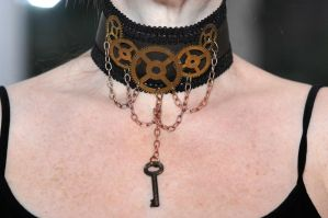 Steampunk Choker by DemoraFairy