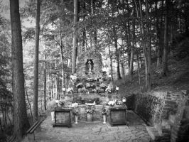 Grotto in Szczyrk. by mariapaulina
