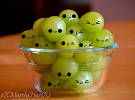 Bowl of Grapes by xXMarchxHareXx