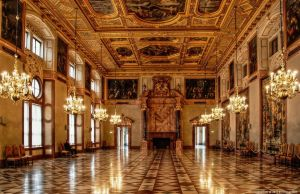 Muenchen Residenz-Golden Hall by pingallery
