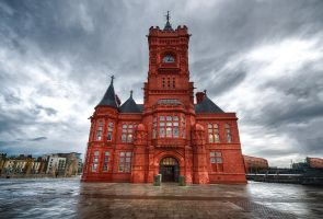 Cardiff Pierhead by alierturk