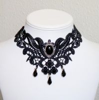 Elize choker by Lincey
