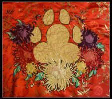 Paw embroidery by Kizziesama