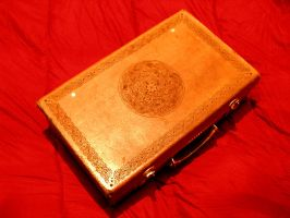 celtic leather suitcase by morgenland