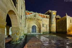 Arches and lights. by MarioGuti
