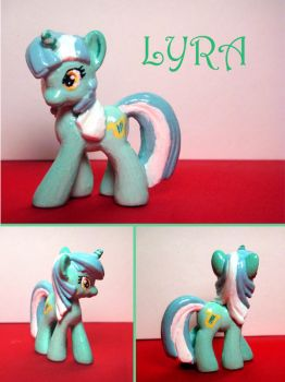 Custom Lyra by RaccoonRat