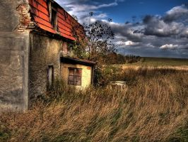 old house by Niceshoot