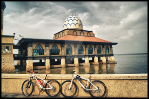 Bike And Mosque Al-Hussain Perlis by carnine9