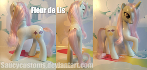 Fleur de Lis Custom Pony by saucycustoms