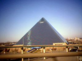 Memphis Pyramid by r3w1nd