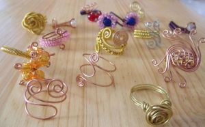 Lots of wire rings by Craftcove