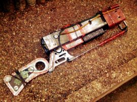 AER14 - Prototype Laser Rifle - Right Side by JayCosplay