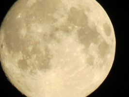 Moon View 28th of August 5 by Kattvinge