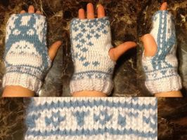 Open Totoro Mitts  by Vivacia18