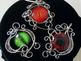 wire wrapping Eye pendant by Sane-Hatter