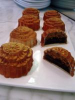 Mini Praline Mooncakes by Sliceofcake