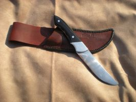 Hunting knife with Water Buffalo Horn handle by Kodo23