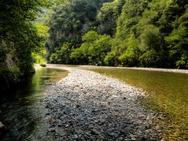 river flows by panos-gr