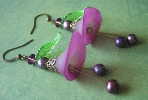 Purple Pearl Flower Earrings by LKJSlain