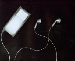 Ipod X-Ray by atomicmufin