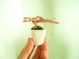 mini wire tree sculpture by thuynguyenvuong