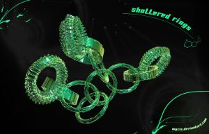 Shattered rings by Wycis